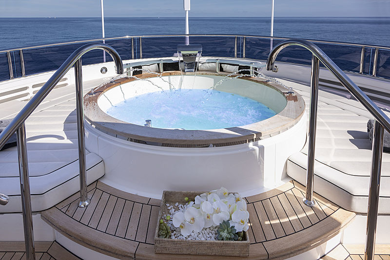 Exodus yacht jacuzzi