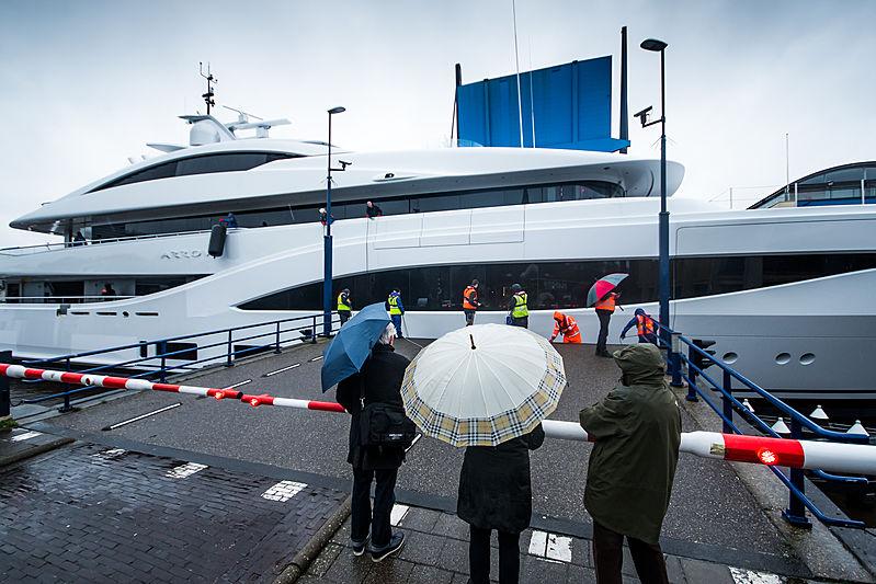 Arrow yacht by Feadship under transport