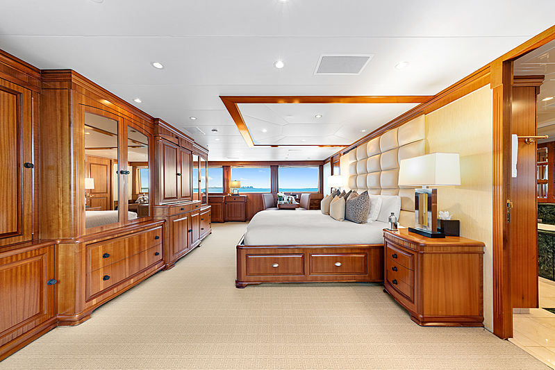 M4 yacht stateroom