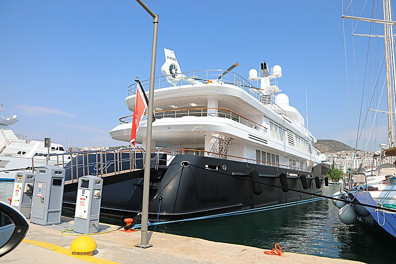 Air yacht in Kusadasi Marina