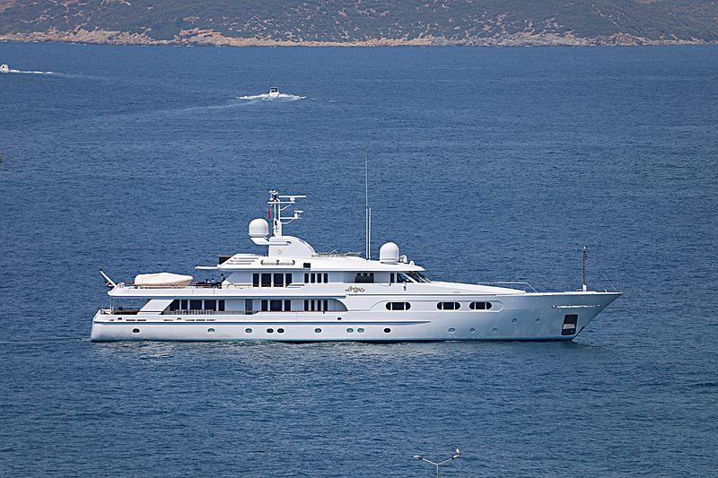 Lady M II yacht anchored off Kusadasi