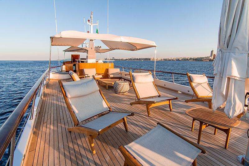 A & A yacht sundeck