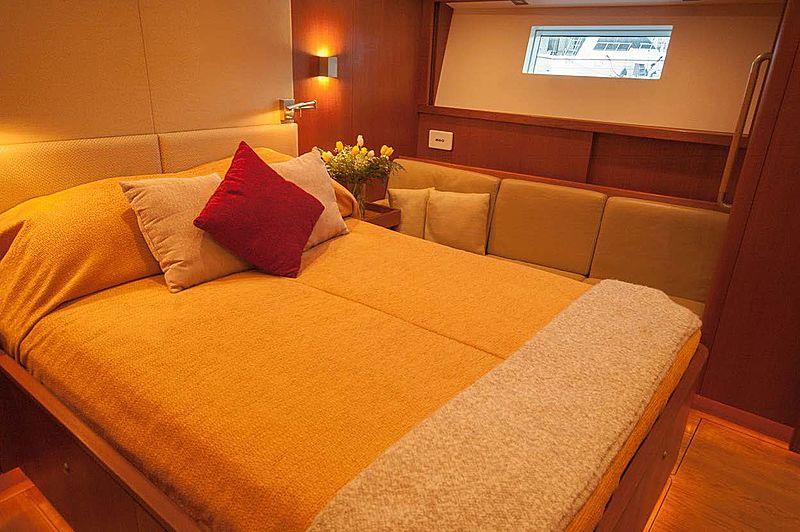 Varsovie yacht stateroom