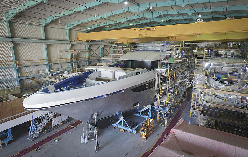 Majesty 175/001 yacht in build