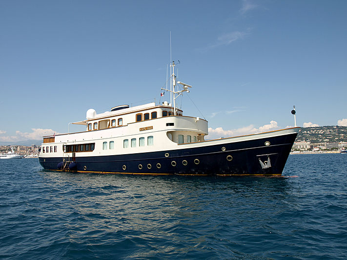 Lady May of Glandore yacht cruising