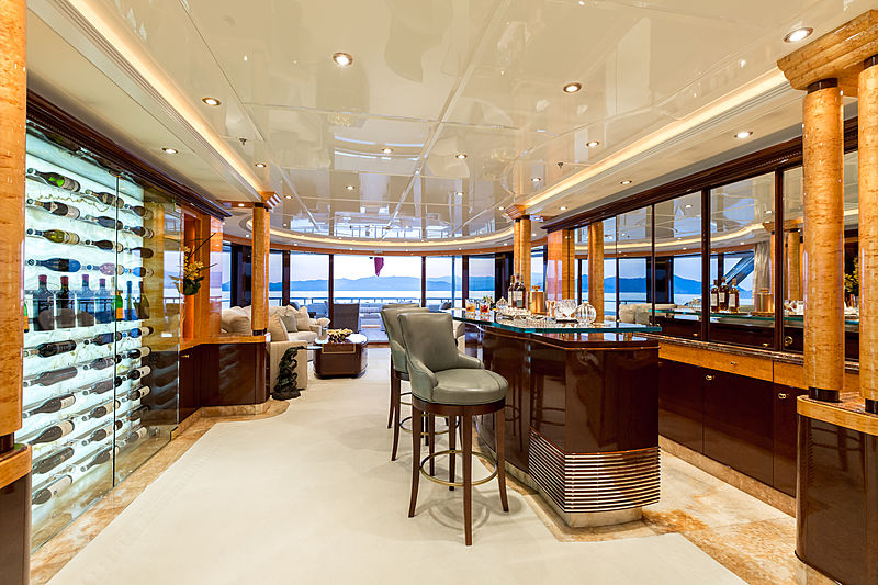 Lucky Lady yacht saloon