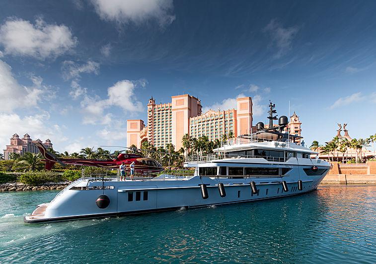 Ocean Dreamwalker III arriving in Atlantis, the Bahamas