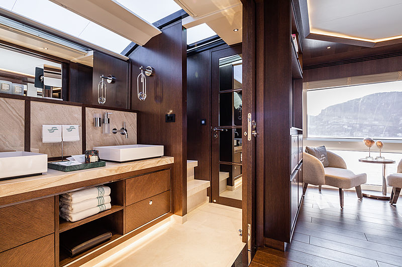Sirena 88RPH/01 yacht interior