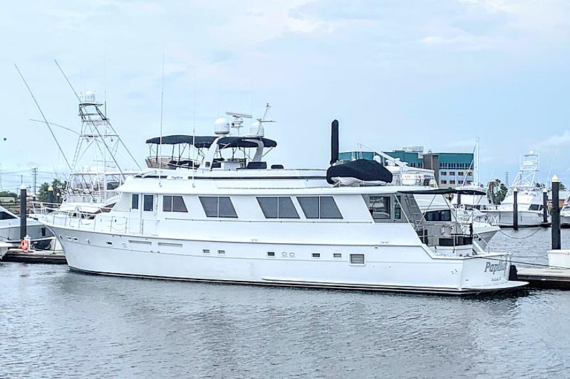 PAPILLON  yacht Hatteras