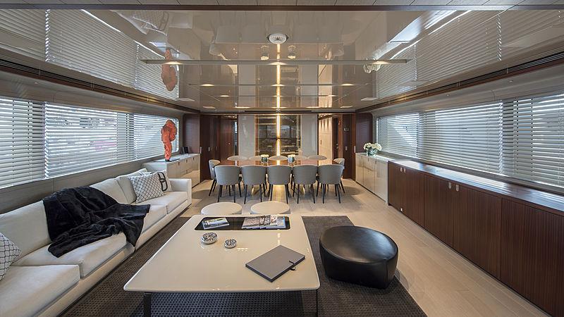 X yacht saloon