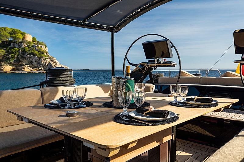 Galma yacht aft deck dining