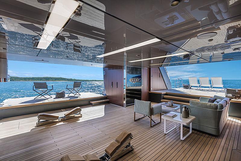 Riva 50m yacht Race beach club