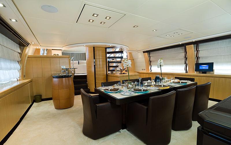 Liberdade yacht interior