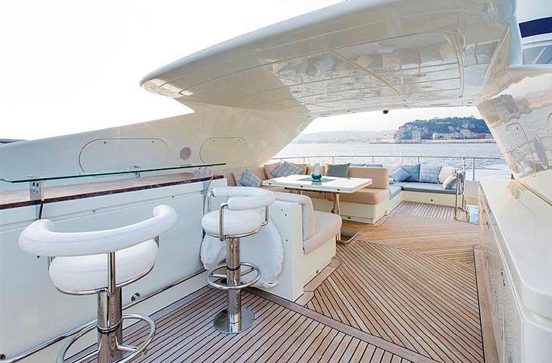 Liberdade yacht exterior