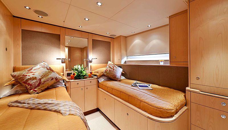 Alcanara yacht stateroom