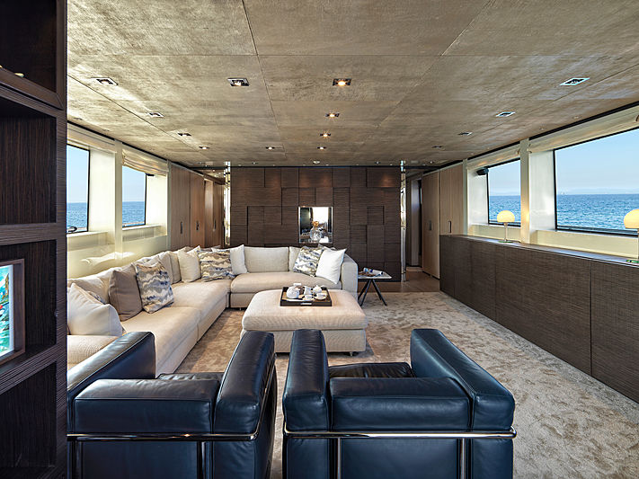 Casa yacht interior