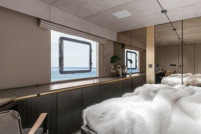 Otoctone 80 yacht stateroom