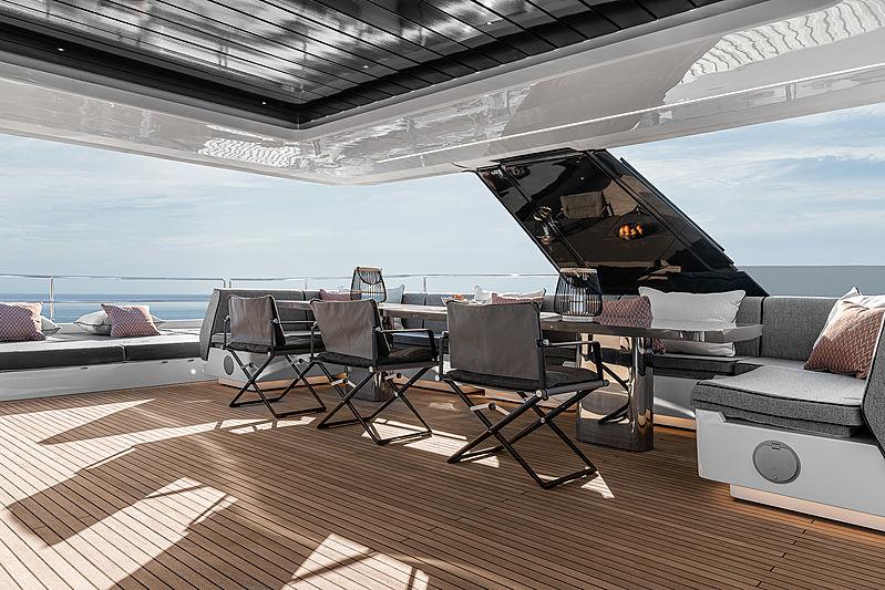 Otoctone 80 yacht flybridge