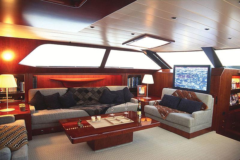 Concordia yacht saloon