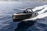 Evo R4 yacht