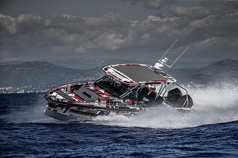 Axopar 37 Sun-Top tender cruising