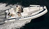 Novurania Launch 750 tender cruising