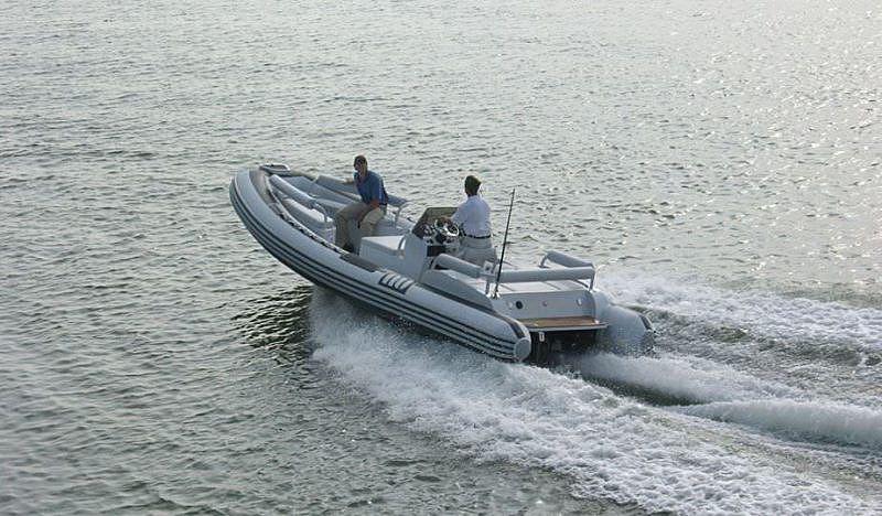 Novurania  Launch 700 tender cruising