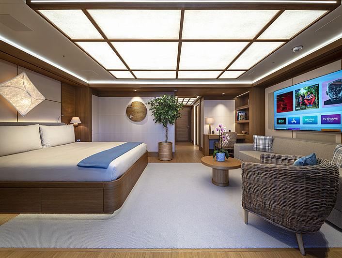 Flying Fox yacht by Lürssen guest suite