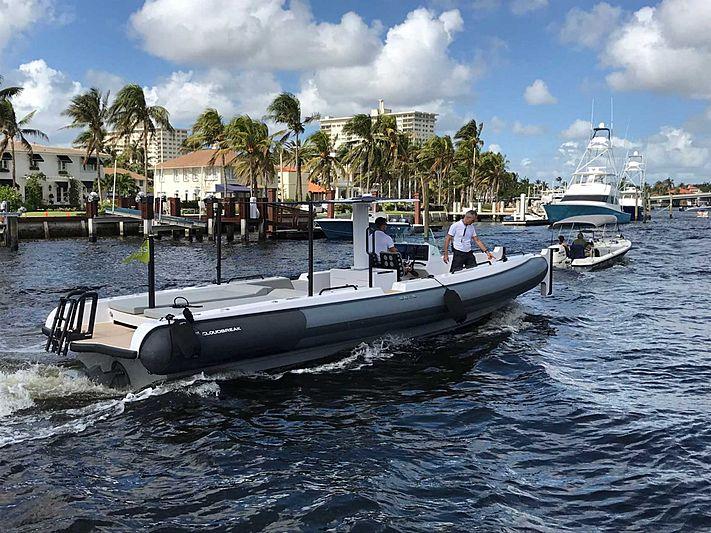 Xtenders 10.0M Beachlander tender exterior