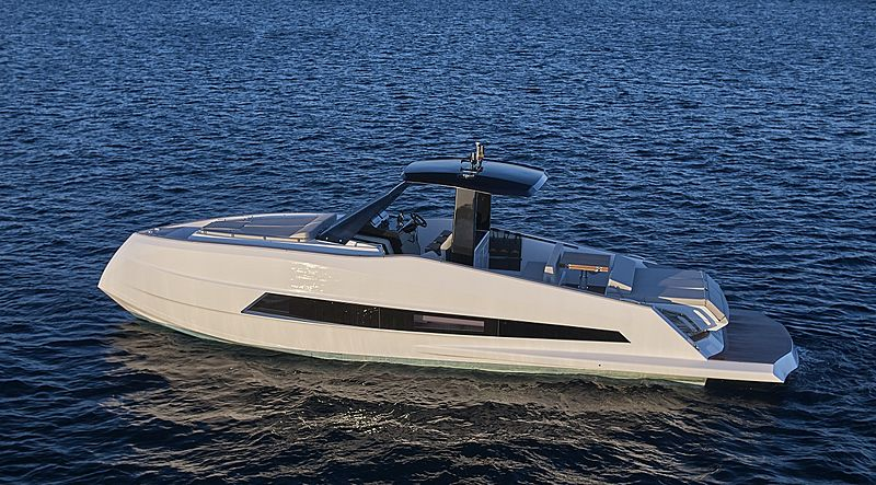 Astondoa 377 Coupe yacht tender