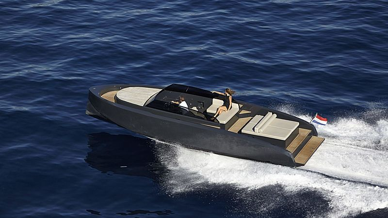 Vanquish VQ32 yacht tender
