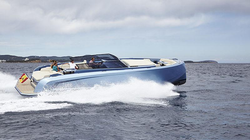 VANQUISH VQ45 tender Vanquish Yachts