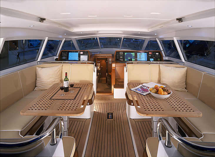 Mbolo yacht dining