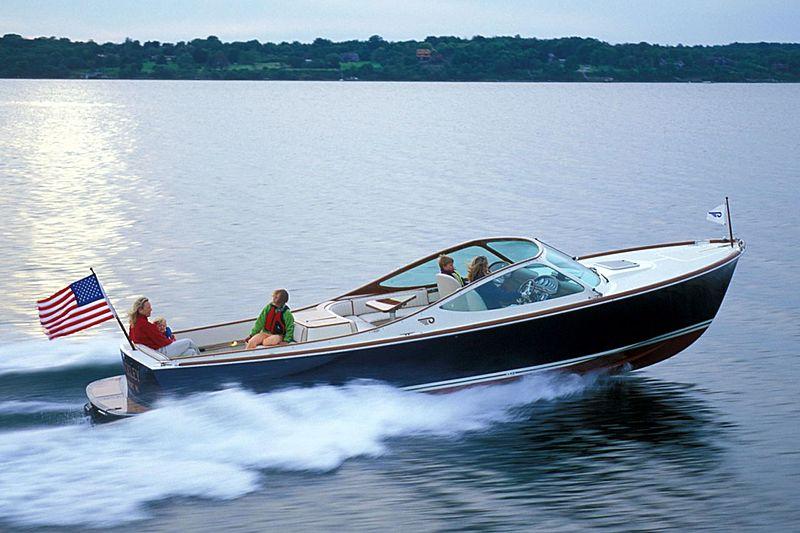 HINCKLEY RUNABOUT 29 tender Hinckley Yacht Services
