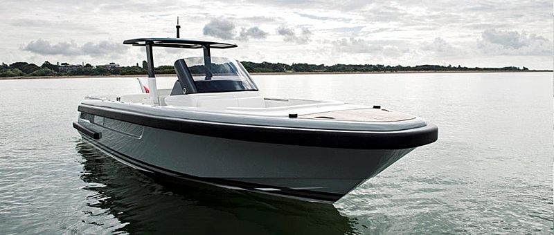 Compass Open Tender 9.5M exterior