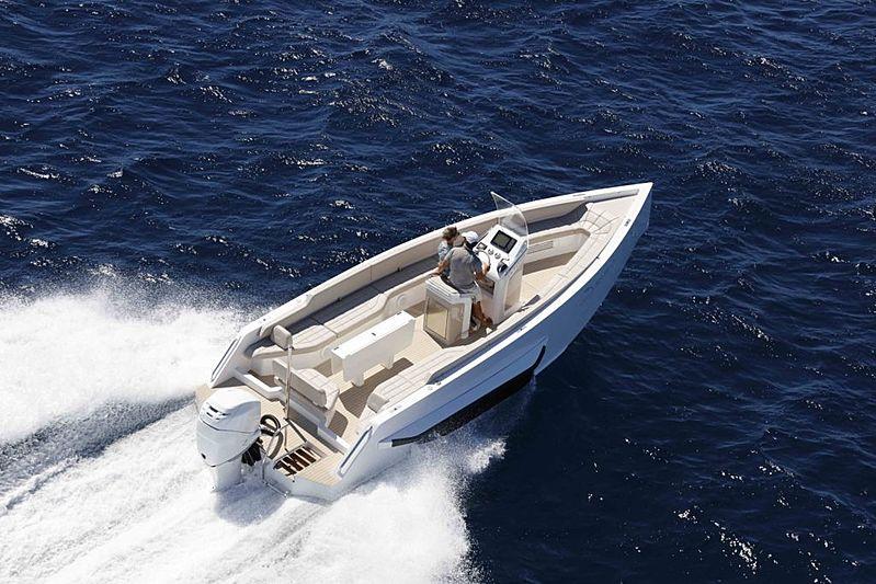 Iguana Classic yacht