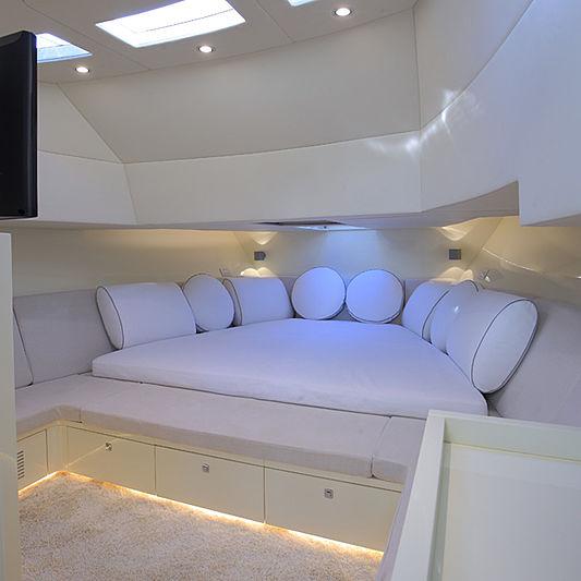 CNM Continental 43 Tender interior