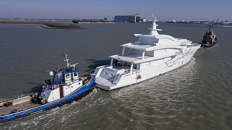 Amels 20003 yacht hull arriving in Vlissingen for outfitting