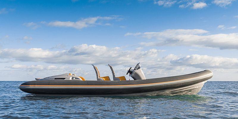 Ribey YT 740 tender exterior