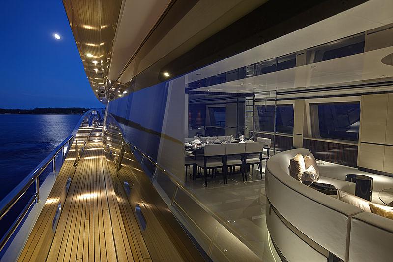Como yacht deck