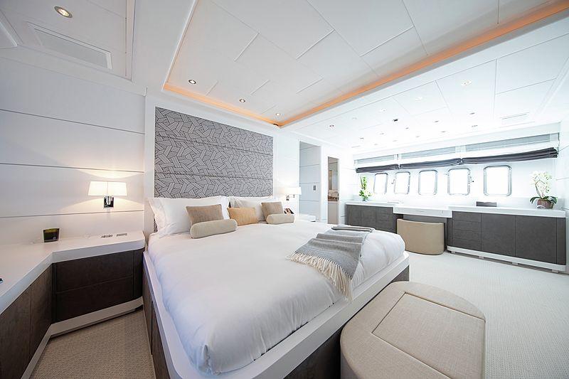 Yalla yacht stateroom