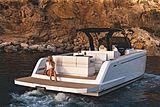Pardo 38 tender exterior