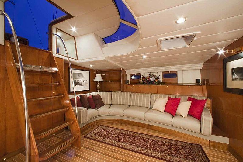 Apache yacht saloon