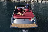 Cranchi E26 Classic tender exterior