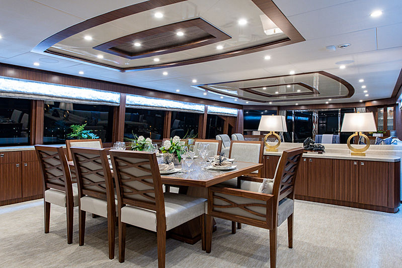 Catera yacht dining