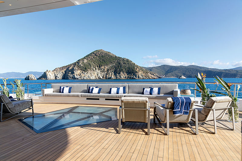 Luminosity yacht deck