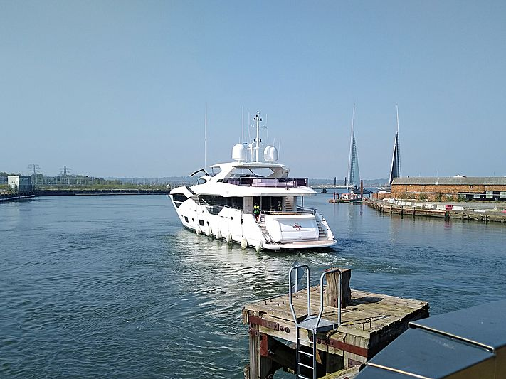 SEDATIVE yacht Sunseeker