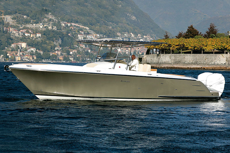 Comitti Isola 33 tender exterior