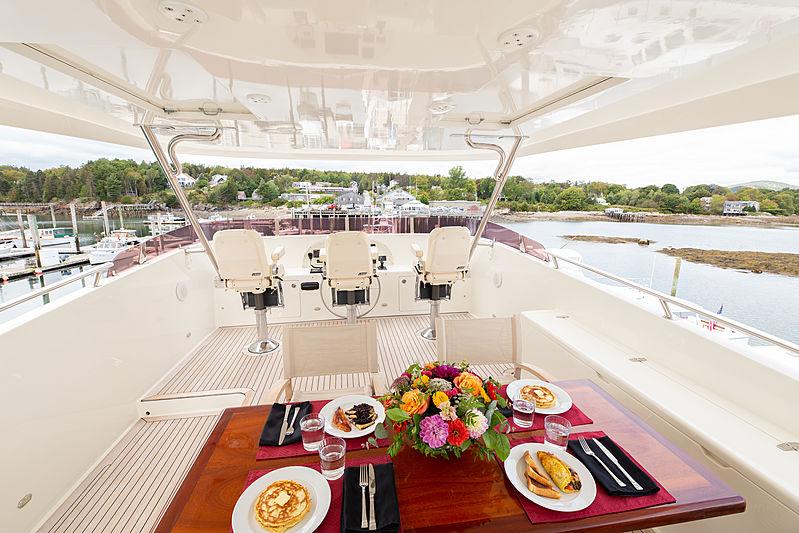 Islander yacht sundeck