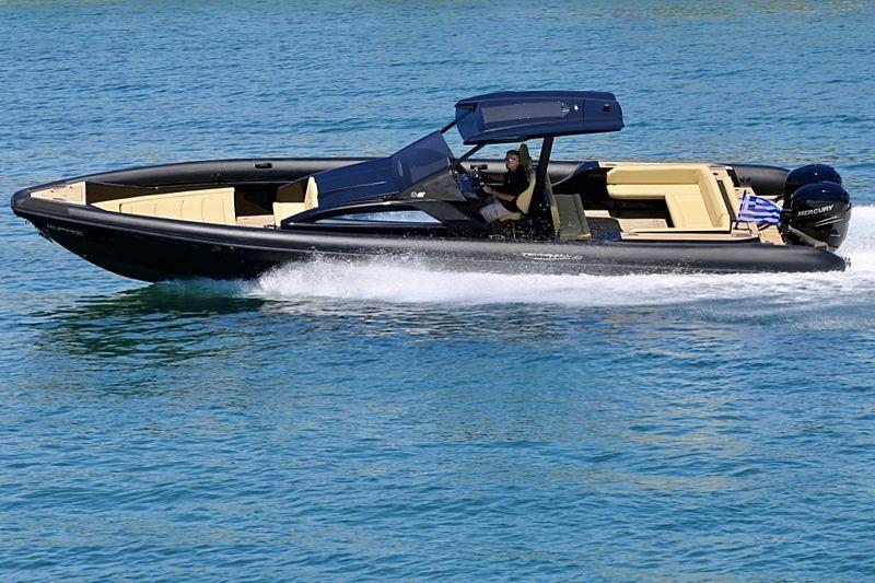 Technohull Explorer 40 tender exterior